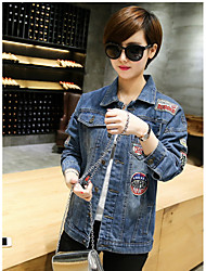 In 2017 long section of the Spring and Autumn female loose jeans denim jacket European leg patch badge BF wind