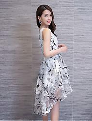 preiswerte -Damen Ausgehen Hülle Asymmetrisch Kleid Blumen Rundhalsausschnitt Ärmellos Sommer