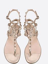 baratos -Mulheres Sapatos Microfibra Primavera Conforto Sandálias Tachas Branco / Preto / Vinho