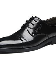 baratos -Homens sapatos Pele Inverno Outono Sapatos formais Oxfords para Festas & Noite Preto Café