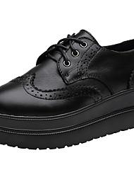abordables -Mujer Zapatos Cuero / Cuero de Napa Otoño / Invierno Confort Zapatillas de deporte Plataforma Dedo redondo / Punta cerrada Con Cordón
