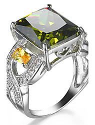 Ring Women's Euramerican Luxury Elegant Square Olive Green Rhinestone Zircon Ring Daily Movie Party Gift Jewelry