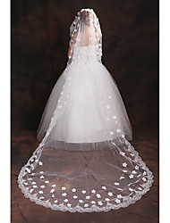 cheap -One-tier Lace Applique Edge Wedding Veil Elbow Veils Chapel Veils With Applique Embroidery Tulle