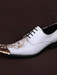 abordables -Hombre Zapatos Cuero de Napa Primavera Otoño Confort Innovador Oxfords Paseo Remache Con Cordón Para Boda Fiesta y Noche Blanco