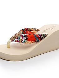 Damen Slippers & Flip-Flops Komfort Leuchtende Sohlen Hausschuhe & Flip-Flops Sommer EVA Normal Kleid Keilabsatz Schwarz Beige Braun 2,5