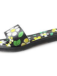 Недорогие -Для женщин Сандалии Светодиодные подошвы Удобная обувь Полиуретан Весна Лето Повседневные Цветы На плоской подошве Красный ЗеленыйМенее