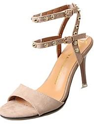 preiswerte -Damen Schuhe Kaschmir Sommer Komfort Sandalen Walking Stöckelabsatz Runde Zehe Niete für Schwarz / Gelb / Mandelfarben