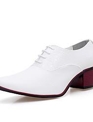 abordables -Hombre Zapatos PU microfibra sintético Primavera Otoño Zapatos formales Oxfords Con Cordón Para Fiesta y Noche Blanco Negro