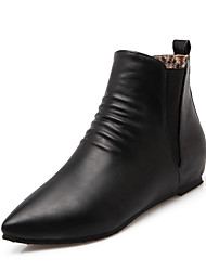 cheap -Women's Shoes Leatherette Winter Bootie / Comfort Boots Low Heel Pointed Toe Booties / Ankle Boots for Dress Black / Red