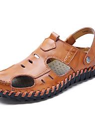 preiswerte -Herrn Schuhe PU Frühling Herbst Komfort Sandalen für Normal Schwarz Braun