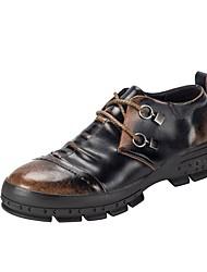 baratos -Homens sapatos Couro Primavera / Outono Conforto Tênis Preto / Cinzento / Marron