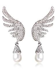 economico -Per donna Orecchini a goccia Perle finte Strass Dolce Di tendenza Perle finte Diamanti d'imitazione Lega Ali / Piume Gioielli Per