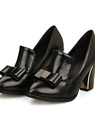 preiswerte -Damen Schuhe PU Frühling / Herbst Komfort / Neuheit High Heels Blockabsatz Spitze Zehe Schleife Weiß / Schwarz / Rot / Kleid