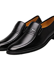 preiswerte -Herren Schuhe Leder Frühling Herbst Komfort Loafers & Slip-Ons für Normal Schwarz