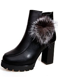 baratos -Mulheres Sapatos Courino Outono Inverno Botas da Moda Botas Salto Robusto Ponta Redonda Botas Curtas / Ankle para Festas & Noite Preto
