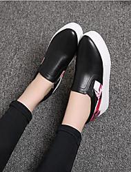 Недорогие -Жен. Обувь Полиуретан Весна Осень Удобная обувь Мокасины и Свитер Высокий каблук Круглый носок для Повседневные Белый Черный