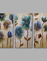 preiswerte -Handgemalte Blumenmuster/Botanisch Vertikal,Modern Leinwand Hang-Ölgemälde Haus Dekoration Drei Paneele
