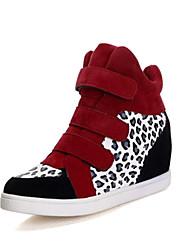 Žene Cipele Umjetna koža Proljeće Jesen Wedge Heel Mat selotejp Kombinacija materijala za Kauzalni Vanjski Crno-bijeli Crno-Gold Crvena