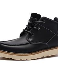 baratos -Homens sapatos Couro Inverno Outono Coturnos Conforto Botas Botas Curtas / Ankle para Escritório e Carreira Ao ar livre Preto Marron