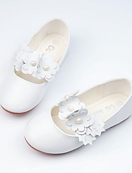 preiswerte -Mädchen Schuhe Kunstleder Frühling Sommer Schuhe für das Blumenmädchen Komfort Flache Schuhe Walking Perlenstickerei Applikationen