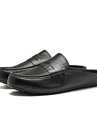 Недорогие -Муж. Искусственная кожа Весна / Лето Удобная обувь Мокасины и Свитер Белый / Черный