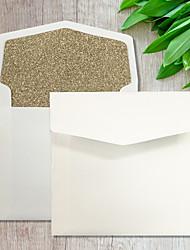 Недорогие -Открытка-карман Свадебные приглашения 50шт - Пригласительные билеты / Образец приглашения / Открытки ко дню матери Художественный / Старинный Тиснённая бумага