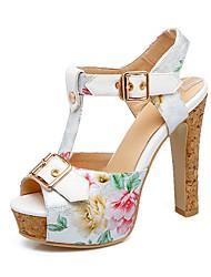 preiswerte -Damen Schuhe PU Frühling Sommer Neuheit Komfort Sandalen Blockabsatz Peep Toe Schnalle für Büro & Karriere Party & Festivität Weiß