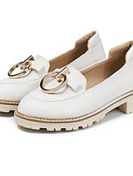 abordables -Femme Chaussures Polyuréthane Printemps / Automne Confort / Nouveauté Mocassins et Chaussons+D6148 Talon Bas Bout pointu Rivet Blanc /
