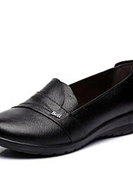Недорогие -Жен. Обувь Кожа Весна / Осень Удобная обувь Мокасины и Свитер На плоской подошве Круглый носок Черный