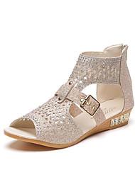 povoljno -Žene Cipele PU Proljeće Ljeto Udobne cipele Sandale Niska potpetica Peep Toe Svjetlucave šljokice za Kauzalni Zlato Crn Bež