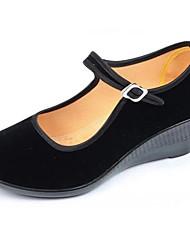 Недорогие -Жен. Обувь Бархатистая отделка Весна / Осень Удобная обувь Обувь на каблуках Туфли на танкетке Черный