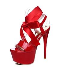 preiswerte -Damen Schuhe Kunstleder Sommer Komfort Sandalen Stöckelabsatz Peep Toe Schnalle Weiß / Schwarz / Rot / Party & Festivität