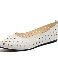 abordables -Femme Chaussures Cuir Verni Printemps Confort Ballerines Talon Plat Bout pointu pour Blanc Noir Vert Véronèse Rouge