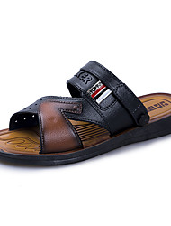 abordables -Homme Chaussures Polyuréthane Printemps / Eté Confort Sandales Noir / Brun claire