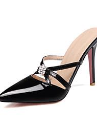 baratos -Mulheres Sapatos Couro Envernizado Verão Chanel Chinelos e flip-flops Salto Agulha Dedo Apontado Pedrarias Amarelo / Rosa claro / Amêndoa