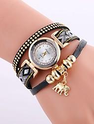 Недорогие -Жен. Модные часы Diamond Watch обернуть часы Кварцевый Стеганная ПУ кожа Черный / Белый / Синий Имитация Алмазный Аналоговый Дамы На каждый день Мода - Коричневый Красный Синий / Один год / Один год