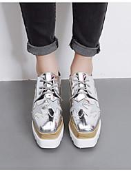 preiswerte -Damen Schuhe Kunstleder Frühling Komfort Outdoor Keilabsatz Quadratischer Zeh Schwarz / Silber / Champagner