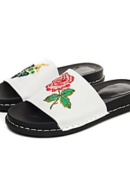 cheap -Women's Shoes Cowhide Summer Comfort Slippers & Flip-Flops Flat Heel for Casual White / Black