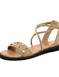 baratos -Mulheres Sapatos Camurça Verão Tira no Tornozelo Sandálias Sem Salto Dedo Aberto Tachas / Presilha para Ao ar livre Preto / Amêndoa