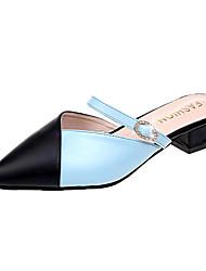 baratos -Mulheres Sapatos Couro Ecológico Verão Chanel Tamancos e Mules Salto de bloco Dedo Apontado Laço Branco / Azul Claro / Listrado