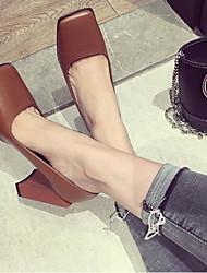 baratos -Mulheres Sapatos Pele Outono Plataforma Básica Saltos Salto Robusto Ponta quadrada para Ao ar livre Preto / Marron / Khaki