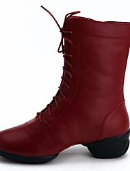 preiswerte -Damen Tanzstiefel Leder Sneaker Niedriger Heel Tanzschuhe Schwarz / Dunkelrot / Leistung