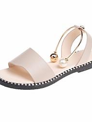 Недорогие -Жен. Обувь Полиуретан Лето Удобная обувь Сандалии На плоской подошве Белый / Черный / Бежевый