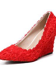 abordables -Femme Chaussures Polyuréthane Printemps été Escarpin Basique Chaussures de mariage Hauteur de semelle compensée Bout pointu Fleur en Satin Rouge / Rose et blanc / Mariage / Soirée & Evénement