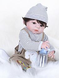 baratos -FeelWind Bonecas Reborn Bebês Meninos 22 polegada Silicone de corpo inteiro - realista Olhos Castanhos de Implantação Artificial de Criança Para Meninos / Para Meninas Brinquedos Dom