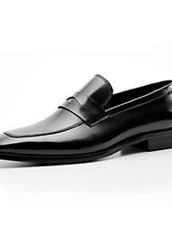 abordables -Hombre Zapatos formales Cuero de Napa Verano Zapatos de taco bajo y Slip-On Negro / Wine