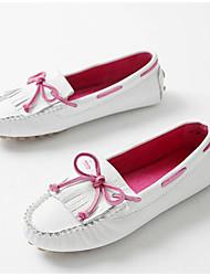 Недорогие -Жен. Обувь Наппа Leather Лето Мокасины Мокасины и Свитер На плоской подошве Круглый носок Бант Белый / Серебряный