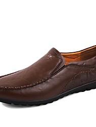 baratos -Homens Sapatos Confortáveis Pele Napa Outono Mocassins e Slip-Ons Preto / Marron / Castanho Escuro / Escritório e Carreira