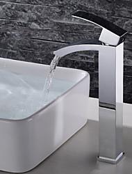 Недорогие -Ванная раковина кран - Водопад / Широко распространенный / Новый дизайн Хром Настольная установка Одной ручкой одно отверстиеBath Taps