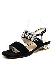 baratos -Mulheres Sapatos Camurça Verão Conforto Sandálias Salto Baixo Dourado / Preto / Prata